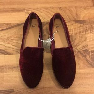 Womens red/maroon suede loafers